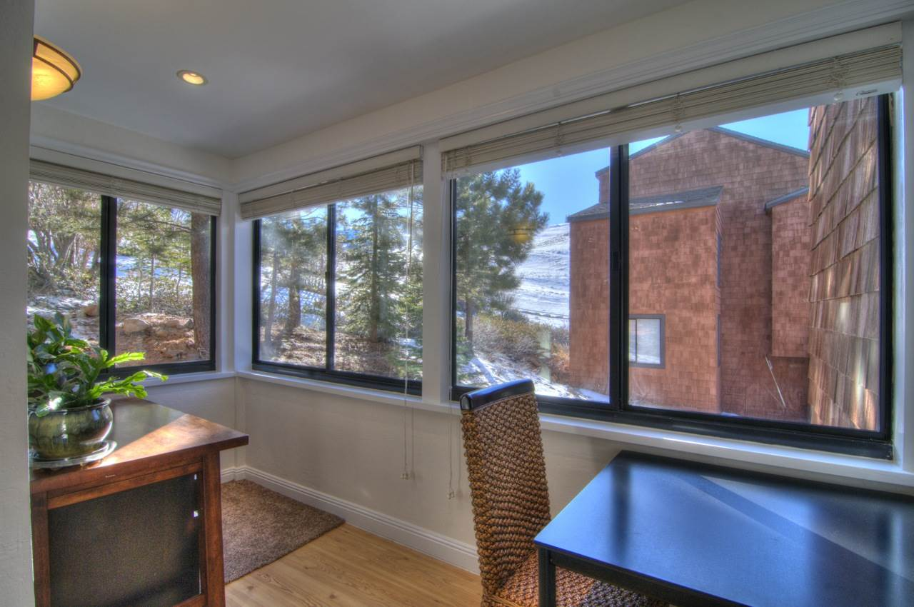 Additional photo for property listing at 11723 Snowpeak Way 11723 Snowpeak Way Truckee, California 96161 Estados Unidos
