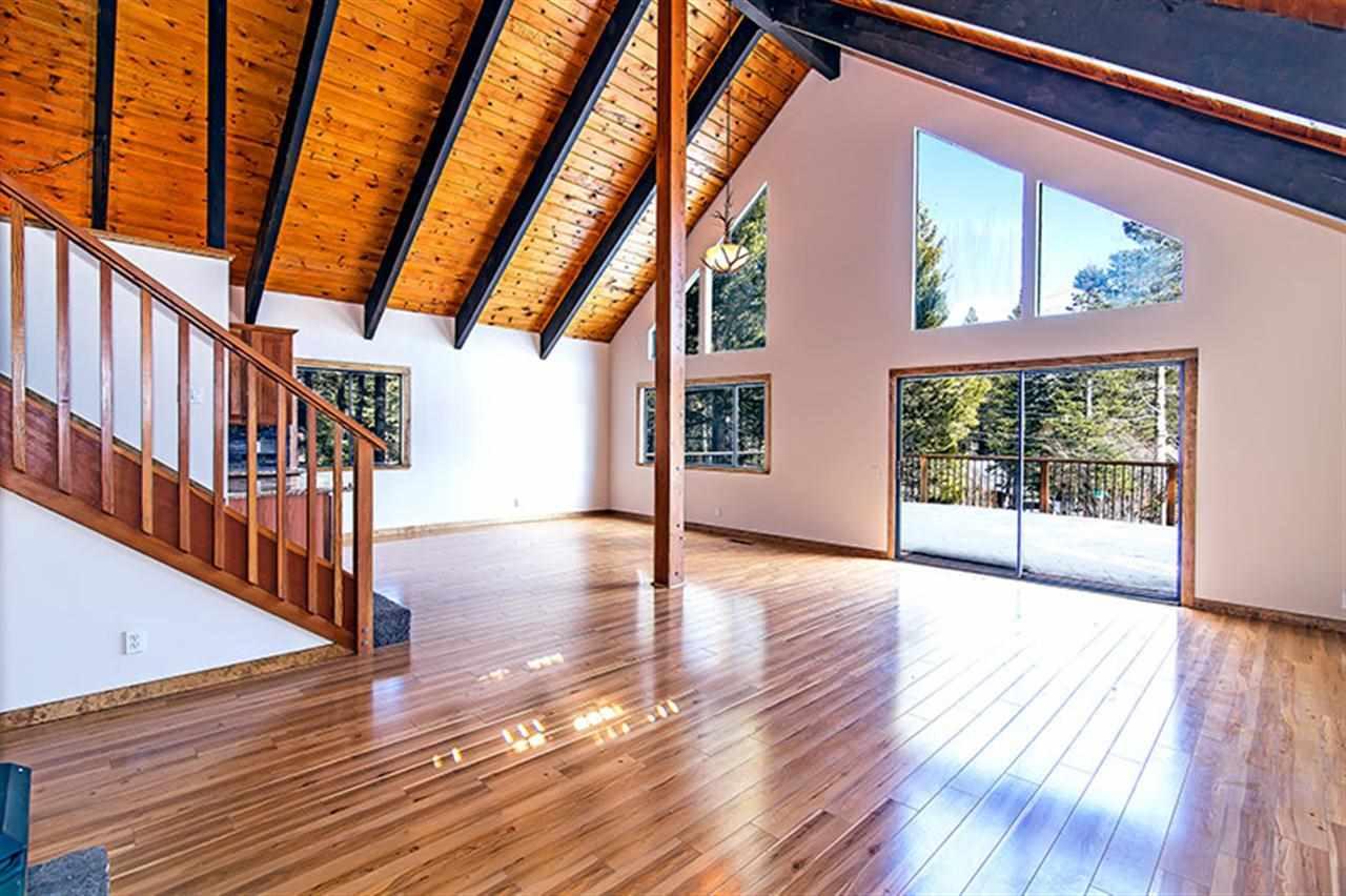 Casa Unifamiliar por un Venta en 800 McKinney Creek Road 800 McKinney Creek Road Tahoma, California 96142 Estados Unidos