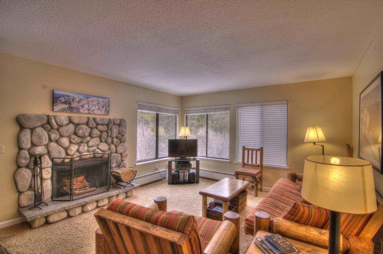 Additional photo for property listing at 11521 Snowpeak Way 11521 Snowpeak Way 特拉基, 加利福尼亚州 96161 美国