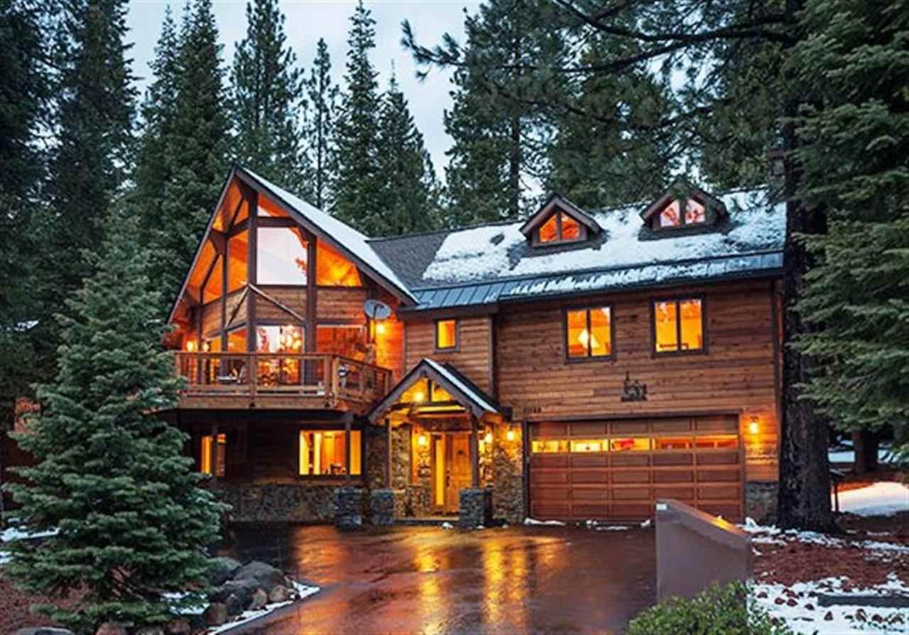 独户住宅 为 销售 在 11199 Sitzmark Way 特拉基, 加利福尼亚州 96161 美国