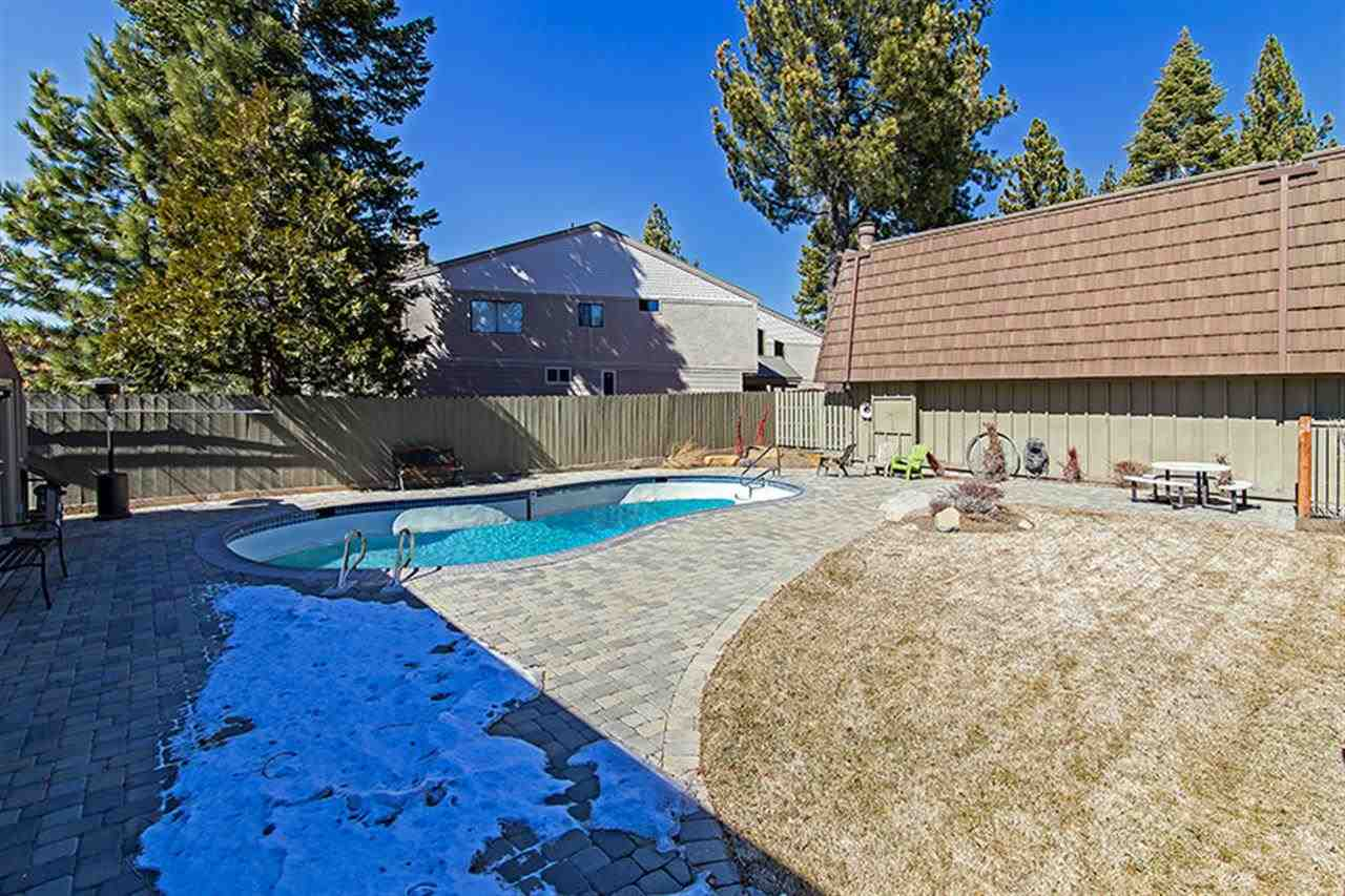 Additional photo for property listing at 7600 North Lake Boulevard  Tahoe Vista, California 96148 Estados Unidos