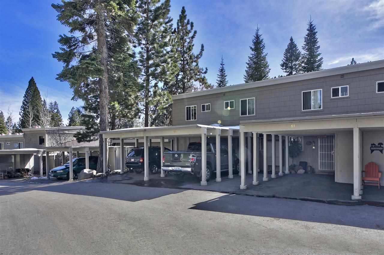 Condominio/ Casa de pueblo por un Venta en 810 Alder Drive Incline Village, Nevada 89451 Estados Unidos
