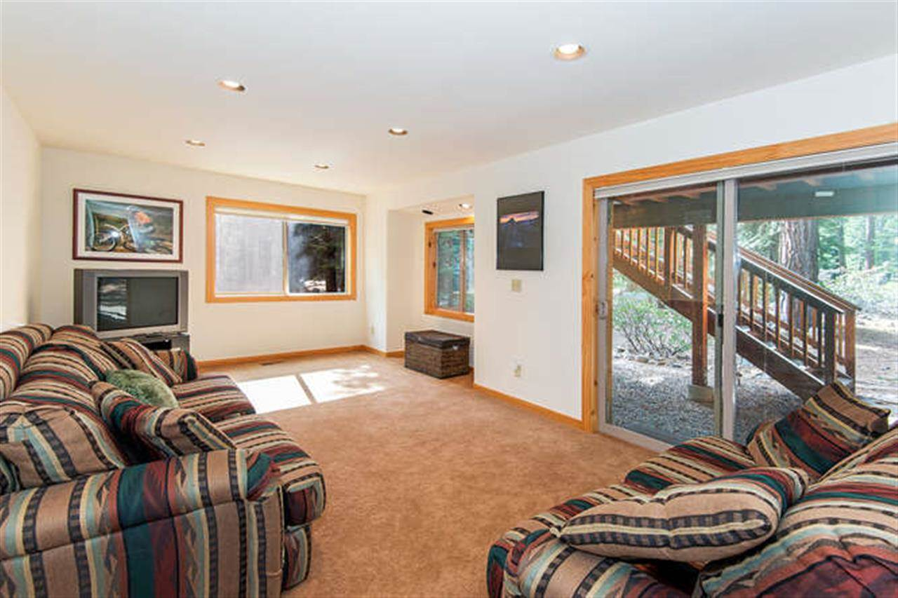 Additional photo for property listing at 541 Cottonwood Place 541 Cottonwood Place Tahoe Vista, California 96148 United States
