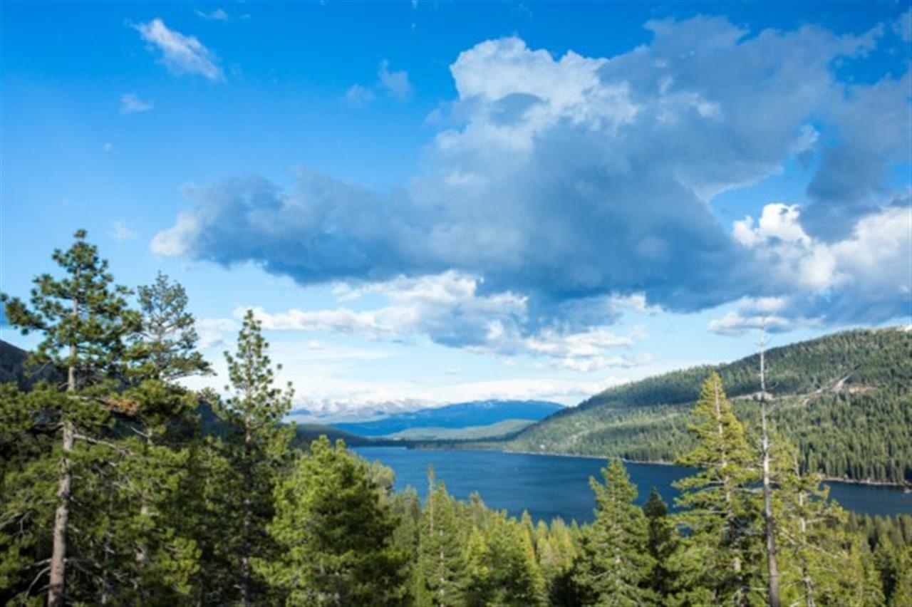 Additional photo for property listing at 16641 Wolfe Drive 16641 Wolfe Drive 特拉基, 加利福尼亚州 96161 美国