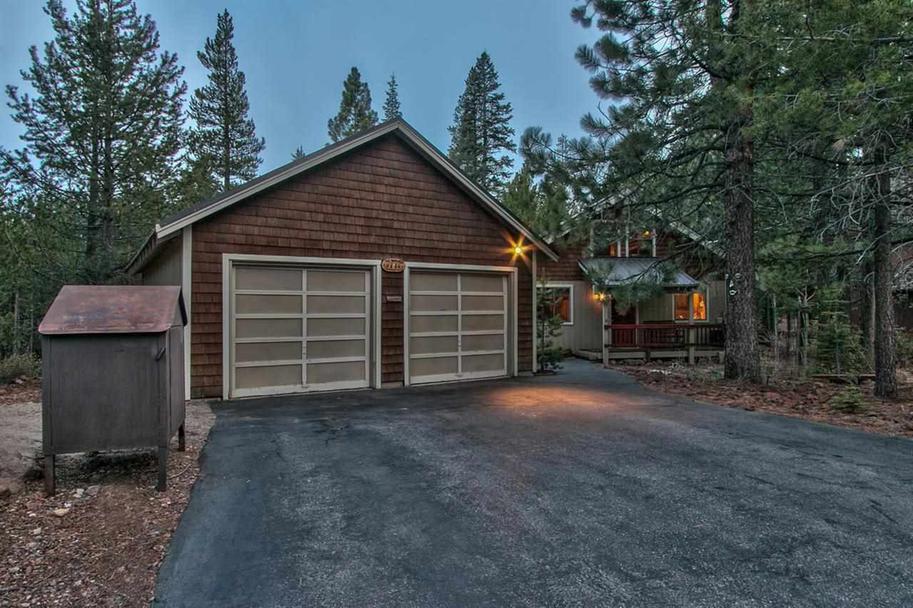 Casa Unifamiliar por un Venta en 12744 Solvang Way 12744 Solvang Way Truckee, California 96161 Estados Unidos