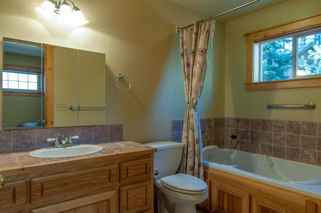 Additional photo for property listing at 10950 Lausanne Way  Truckee, California 96161 United States