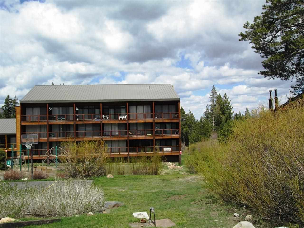 Additional photo for property listing at 11591 Snowpeak Way 11591 Snowpeak Way Truckee, California 96161 Estados Unidos