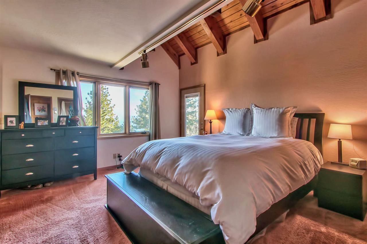 Additional photo for property listing at 907 Tyner Way  Incline Village, Nevada 89451 Estados Unidos
