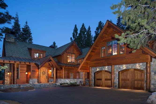 独户住宅 为 销售 在 13390 Ski View Loop 13390 Ski View Loop 特拉基, 加利福尼亚州 96161 美国