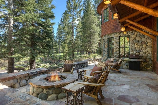 Additional photo for property listing at 13390 Ski View Loop 13390 Ski View Loop Truckee, California 96161 United States