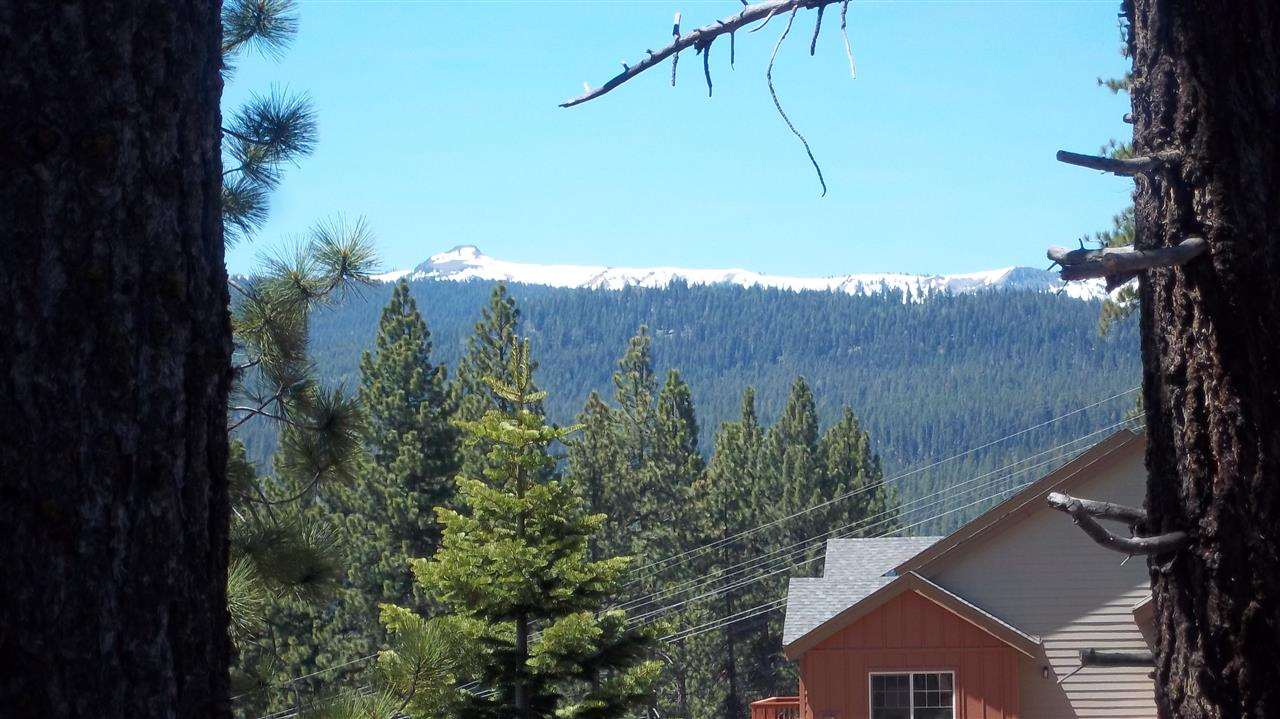 Additional photo for property listing at 10363 Stoneridge Drive  Truckee, California 96161 United States