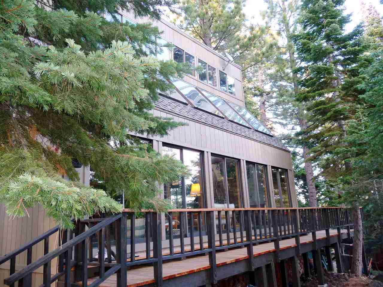 Casa Unifamiliar por un Venta en 220 Talmont Circle 220 Talmont Circle Tahoe City, California 96245 Estados Unidos