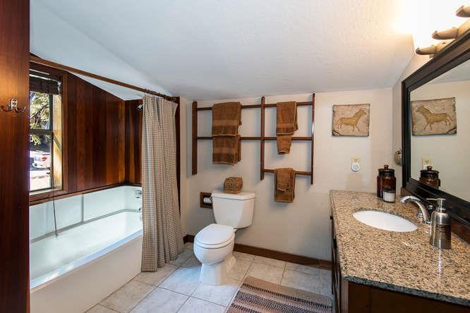 Additional photo for property listing at 220 Talmont Circle  塔霍湖城, 加利福尼亚州 96245 美国