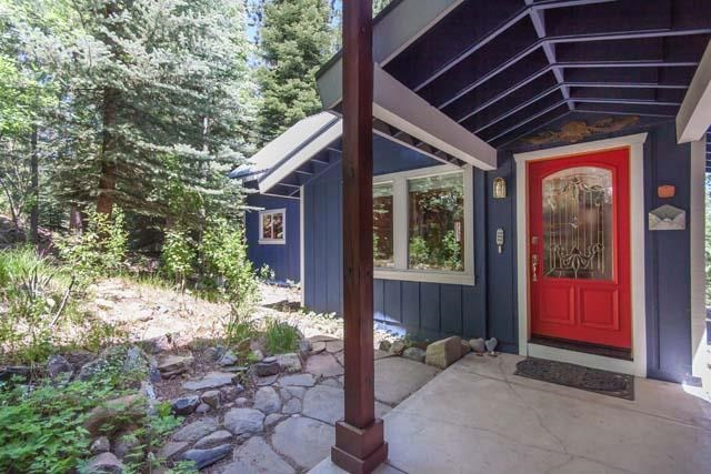 Additional photo for property listing at 11261 Alder Drive 11261 Alder Drive Truckee, California 96161 United States