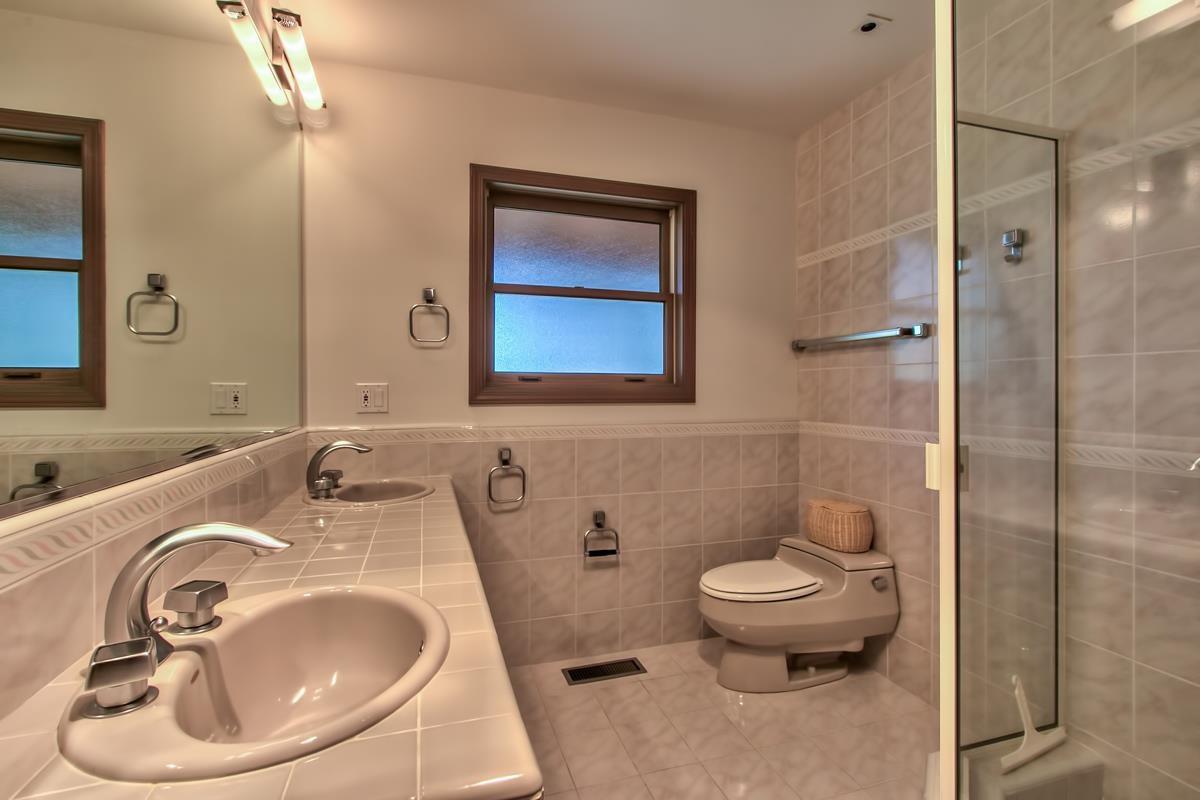 Additional photo for property listing at 146 Skyland Way  塔霍湖城, 加利福尼亚州 96145 美国
