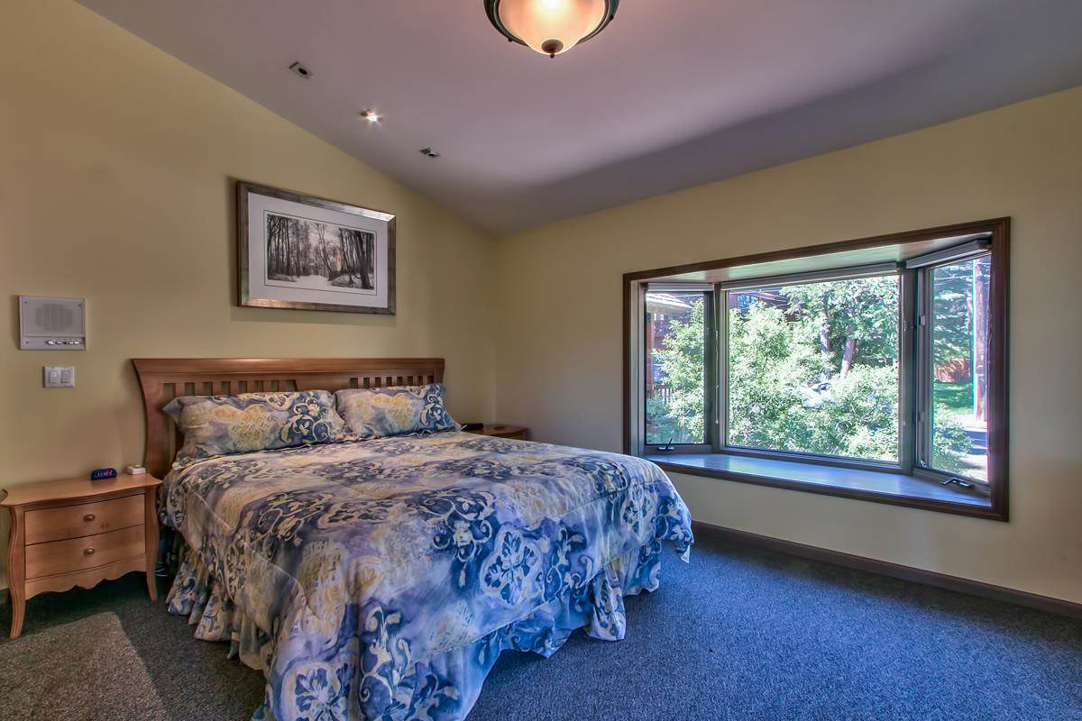 Additional photo for property listing at 146 Skyland Way 146 Skyland Way Tahoe City, California 96145 Estados Unidos