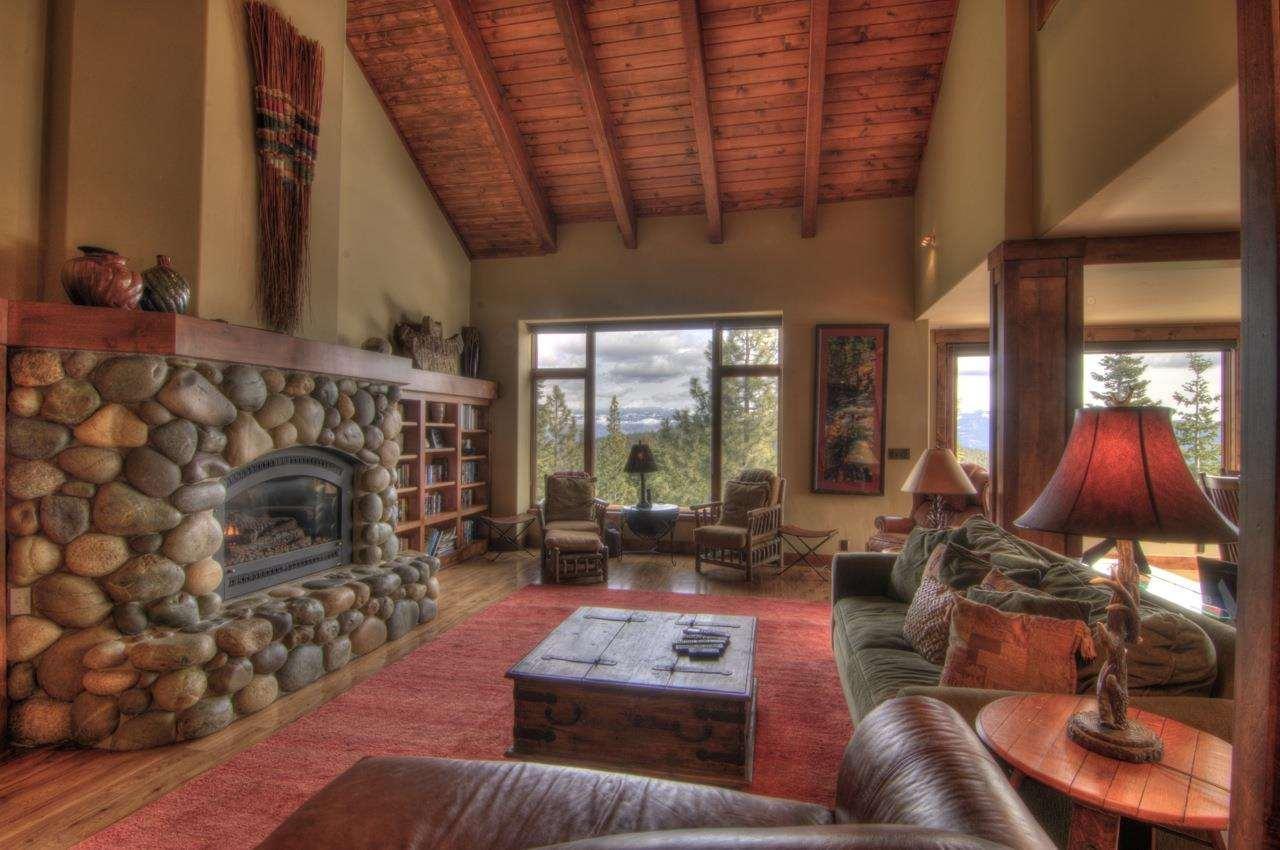 Additional photo for property listing at 12684 Muhlebach Way 12684 Muhlebach Way Truckee, California 96161 Estados Unidos