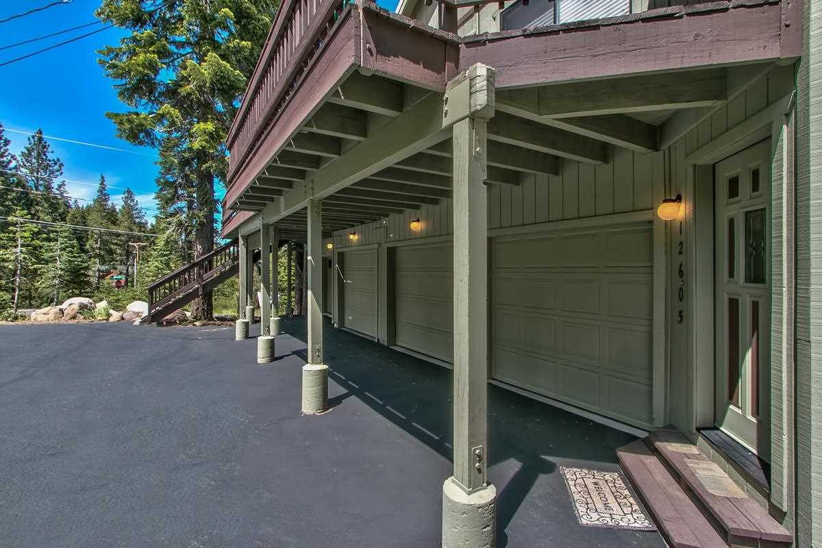 Additional photo for property listing at 12605 Skislope Way  Truckee, California 96161 Estados Unidos