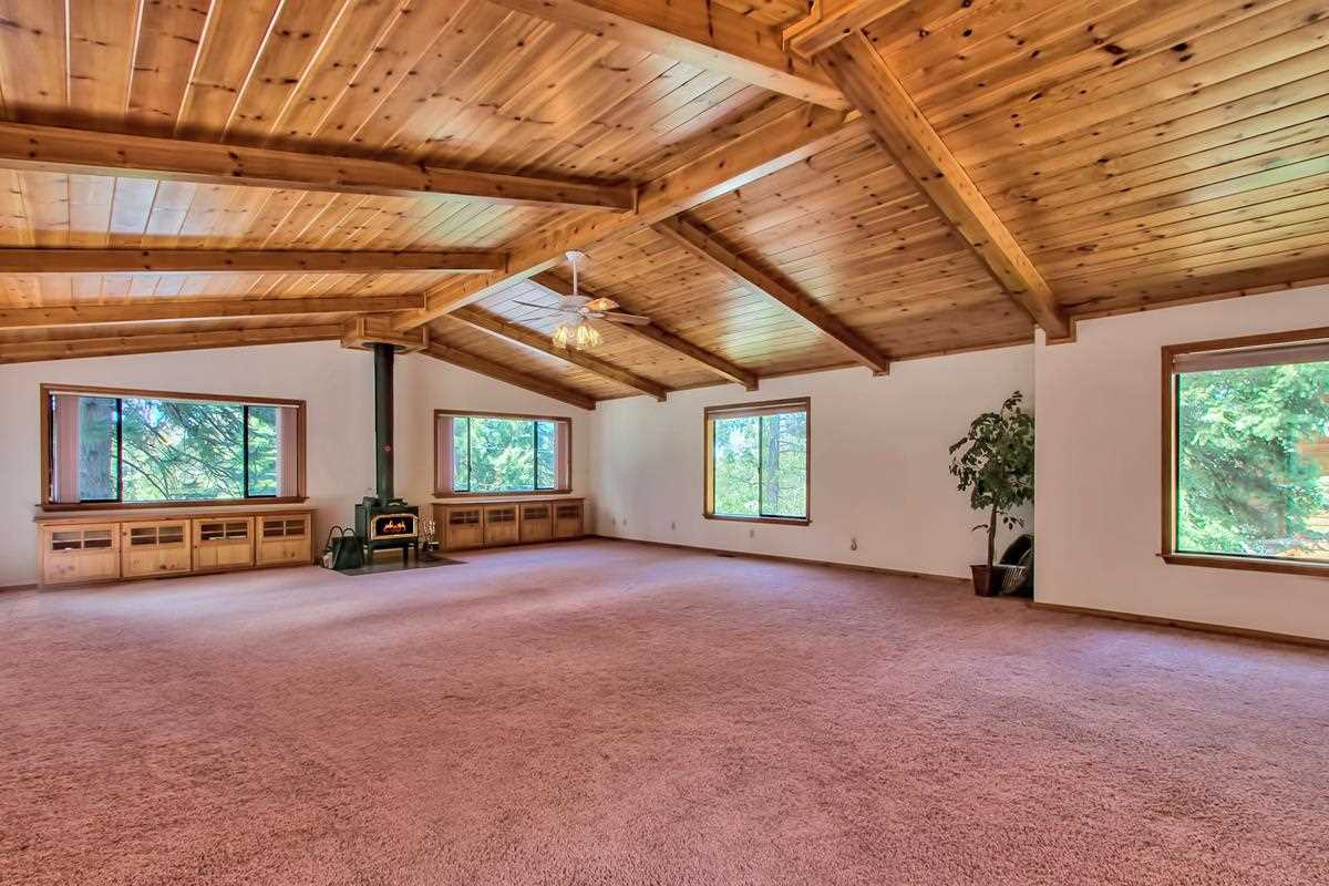 Additional photo for property listing at 12605 Skislope Way 12605 Skislope Way 特拉基, 加利福尼亚州 96161 美国