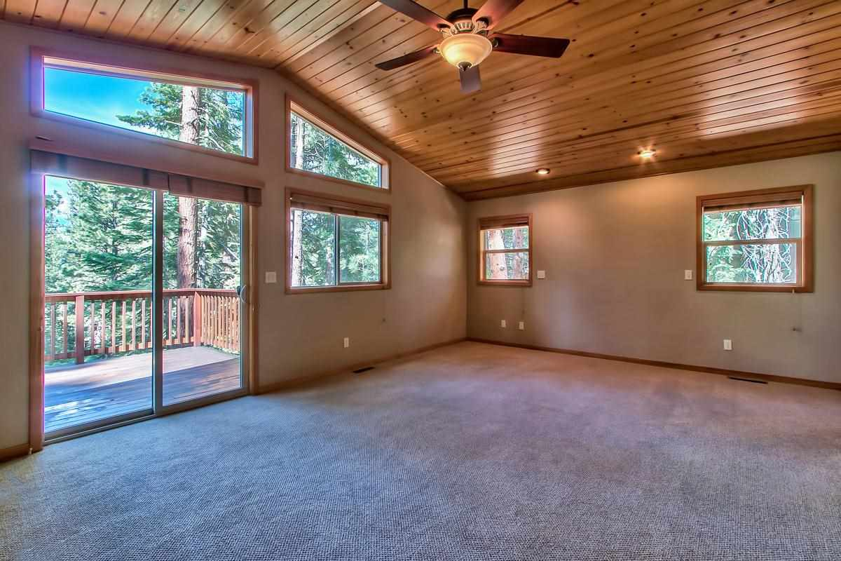 Additional photo for property listing at 15002 Royal Way 15002 Royal Way Truckee, California 96161 Estados Unidos