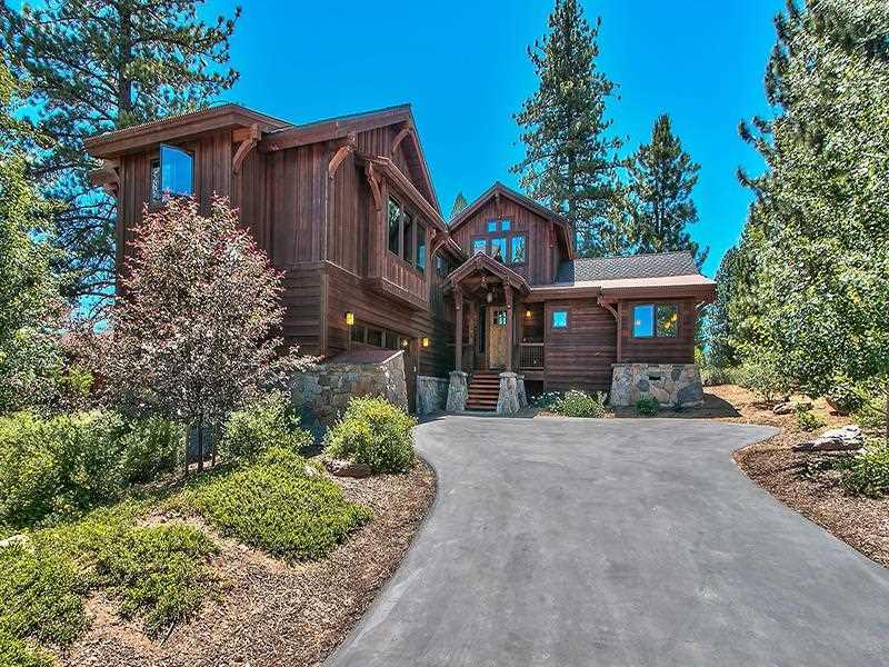 独户住宅 为 销售 在 9348 Heartwood Drive 9348 Heartwood Drive 特拉基, 加利福尼亚州 96161 美国