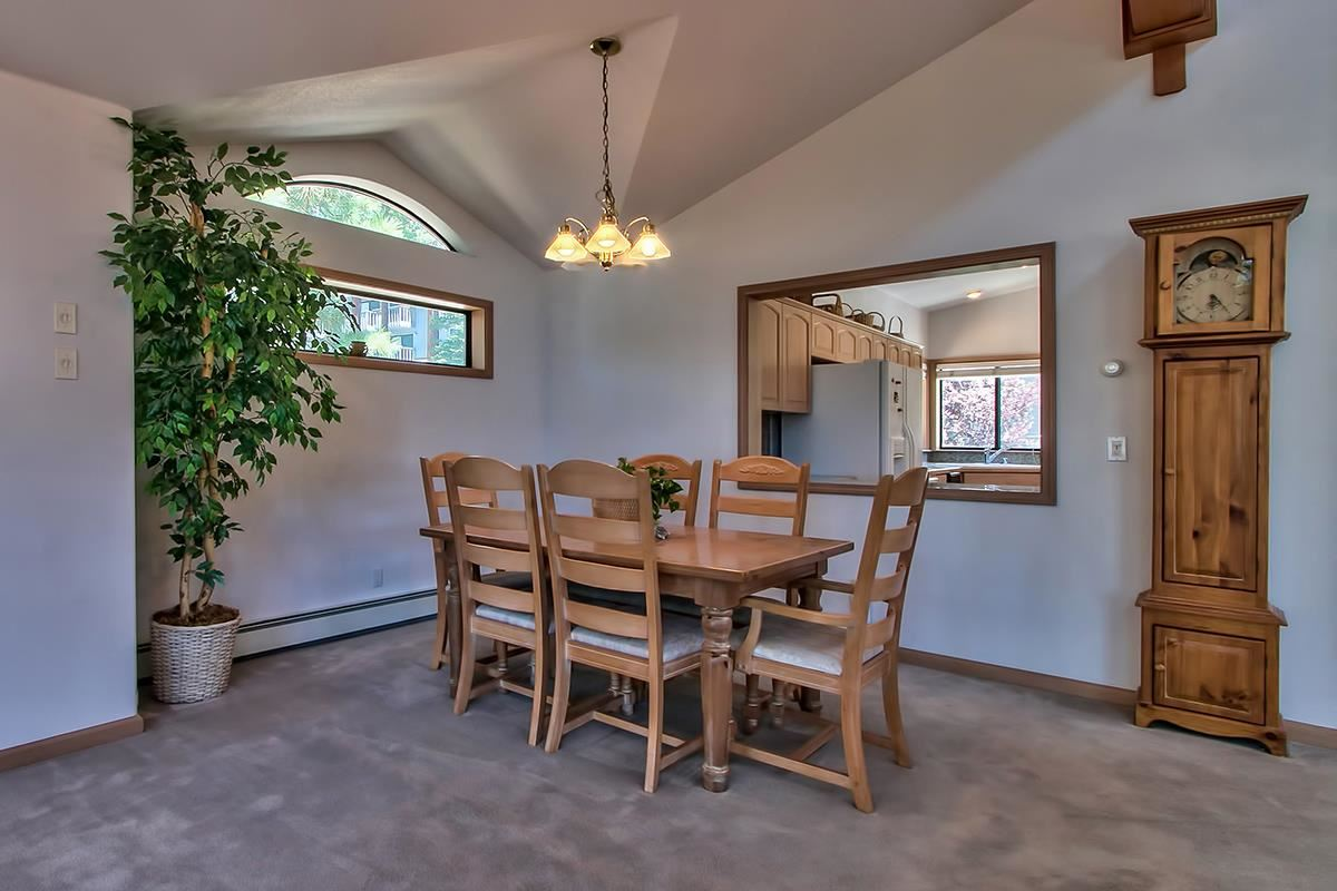 Additional photo for property listing at 631 Lariat Circle 631 Lariat Circle Incline Village, Nevada 89451 Estados Unidos