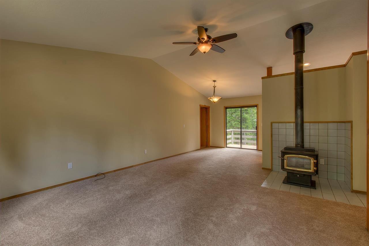 Additional photo for property listing at 11862 Rio Vista Drive 11862 Rio Vista Drive Truckee, California 96161 United States
