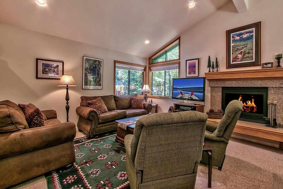 Casa Unifamiliar por un Venta en 575 Village Boulevard 575 Village Boulevard Incline Village, Nevada 89451 Estados Unidos