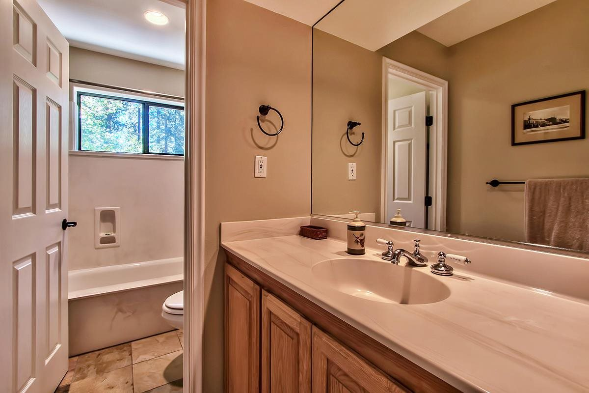 Additional photo for property listing at 575 Village Boulevard 575 Village Boulevard Incline Village, Nevada 89451 United States