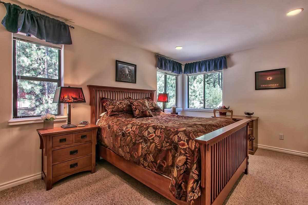 Additional photo for property listing at 575 Village Boulevard 575 Village Boulevard Incline Village, Nevada 89451 Estados Unidos