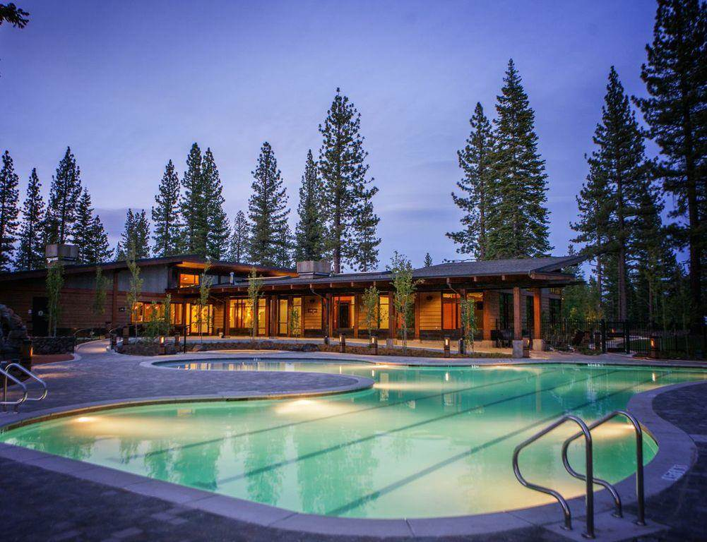 Additional photo for property listing at 9110 Heartwood Drive 9110 Heartwood Drive 特拉基, 加利福尼亚州 96161 美国