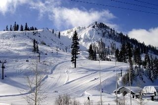 Additional photo for property listing at 201 Squaw Peak Road  Olympic Valley, California 96146 Estados Unidos
