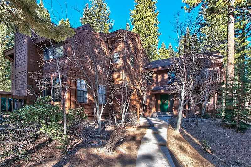 Condo / Townhouse for Active at 875 Southwood Boulevard 875 Southwood Boulevard Incline Village, Nevada 89451 United States