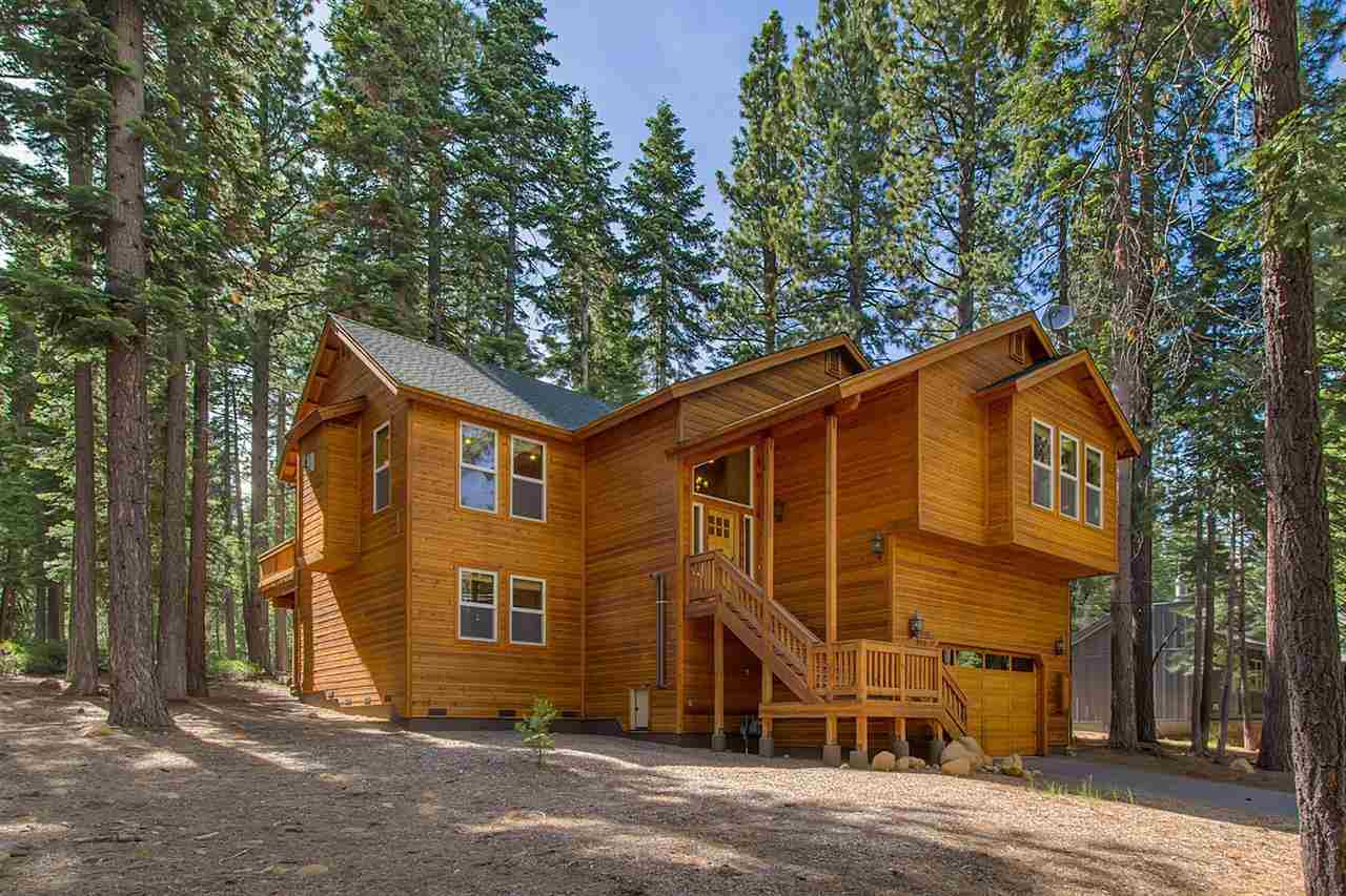 Casa Unifamiliar por un Venta en 850 Holly Road Tahoe City, California 96145 Estados Unidos