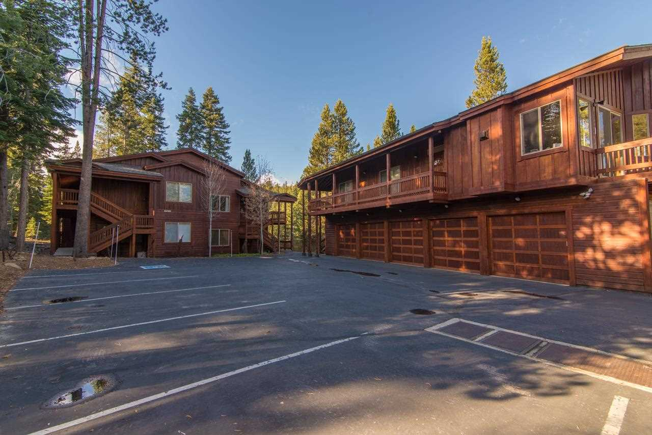 Additional photo for property listing at 12812 Zurich Place  Truckee, California 96161 Estados Unidos