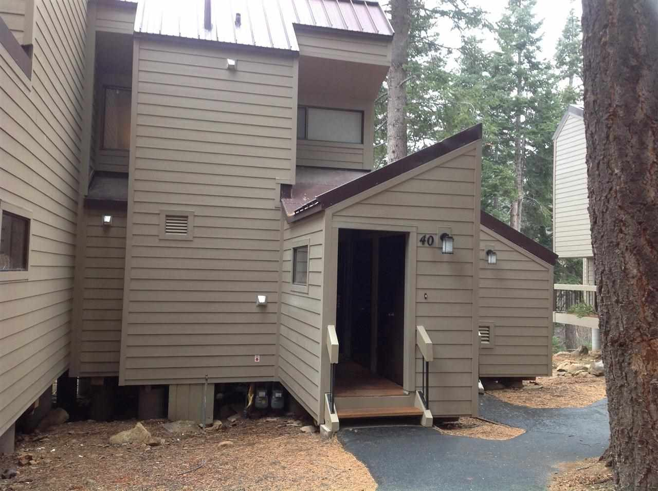 Additional photo for property listing at 5101 North Lake Boulevard 5101 North Lake Boulevard Carnelian Bay, California 96140 Estados Unidos