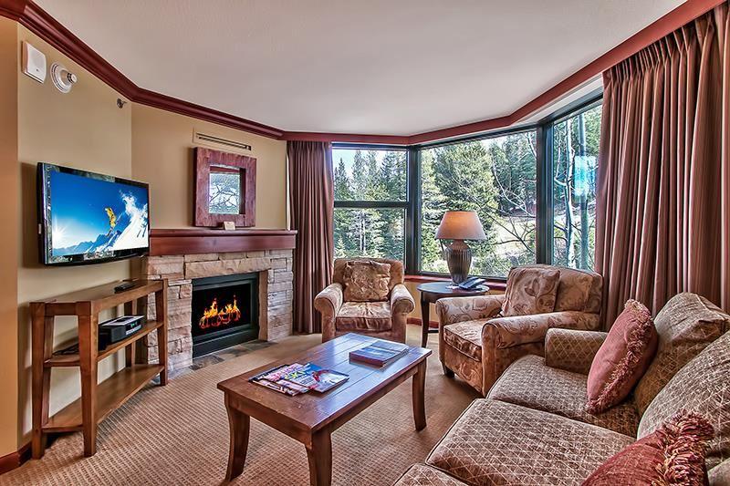 公寓 / 联排别墅 为 销售 在 400 Squaw Creek Road 400 Squaw Creek Road 奥林匹克山, 加利福尼亚州 96146 美国