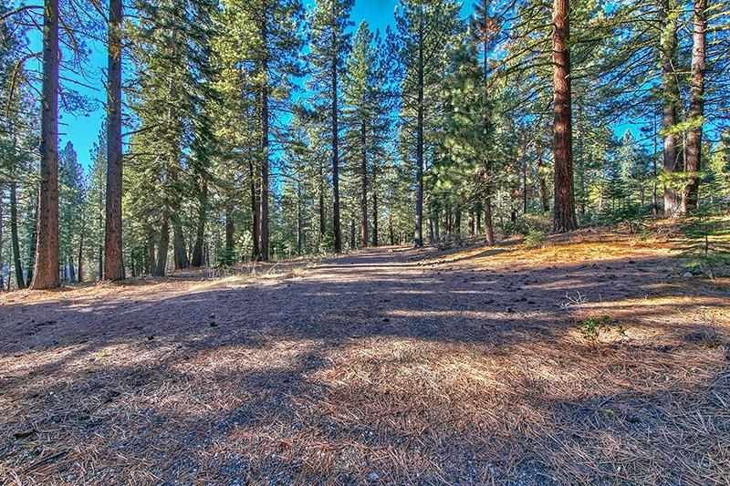 Additional photo for property listing at 11114 Parkland Drive  Truckee, California 96161 United States