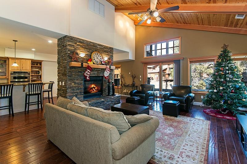 Additional photo for property listing at 11837 Hope Court  Truckee, California 96161 United States