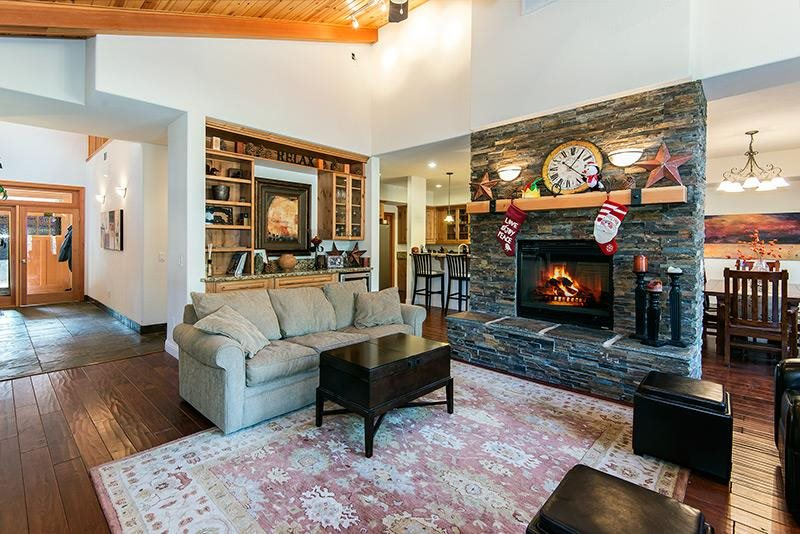 Additional photo for property listing at 11837 Hope Court 11837 Hope Court Truckee, California 96161 United States