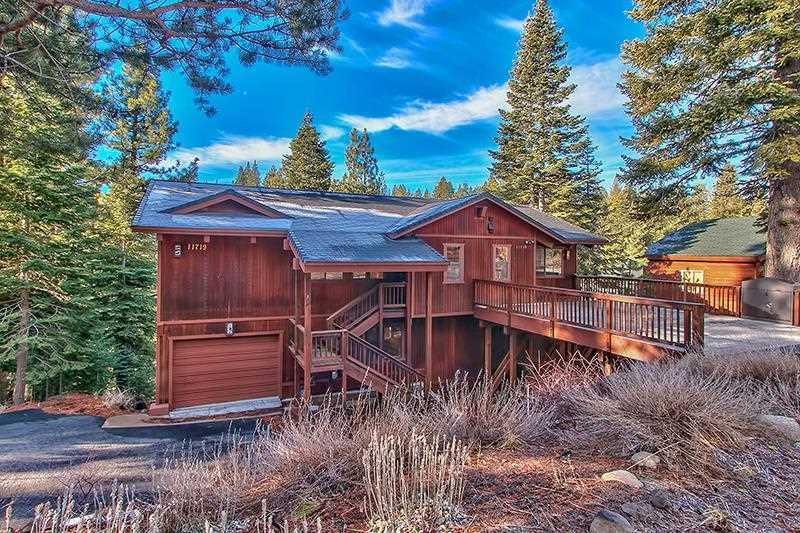 独户住宅 为 销售 在 11719 Kitzbuhel Road 11719 Kitzbuhel Road 特拉基, 加利福尼亚州 96161 美国