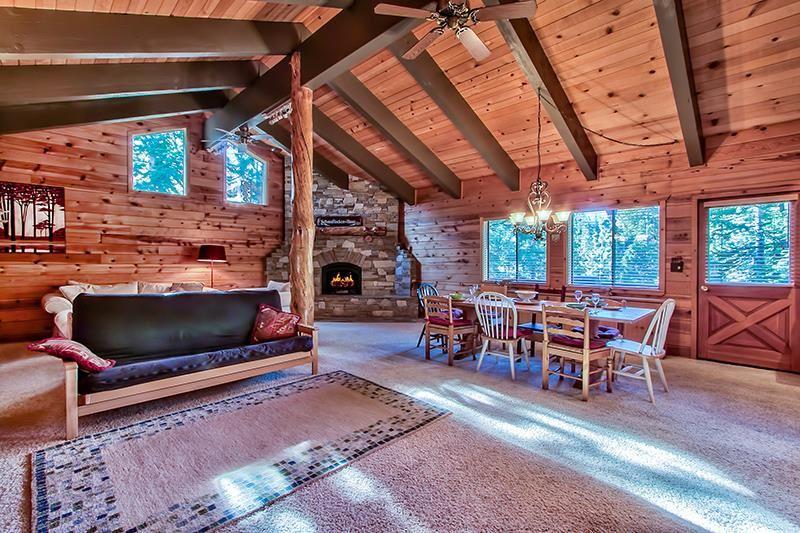 Additional photo for property listing at 11719 Kitzbuhel Road 11719 Kitzbuhel Road 特拉基, 加利福尼亚州 96161 美国