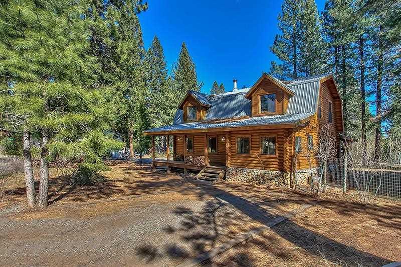 Casa Unifamiliar por un Venta en 10667 Dogwood Road 10667 Dogwood Road Truckee, California 96161 Estados Unidos