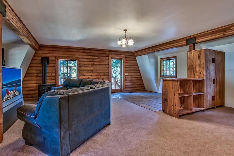 Additional photo for property listing at 10667 Dogwood Road 10667 Dogwood Road 特拉基, 加利福尼亚州 96161 美国