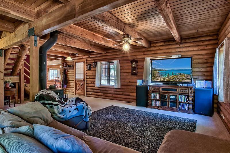 Additional photo for property listing at 10667 Dogwood Road 10667 Dogwood Road Truckee, California 96161 Estados Unidos