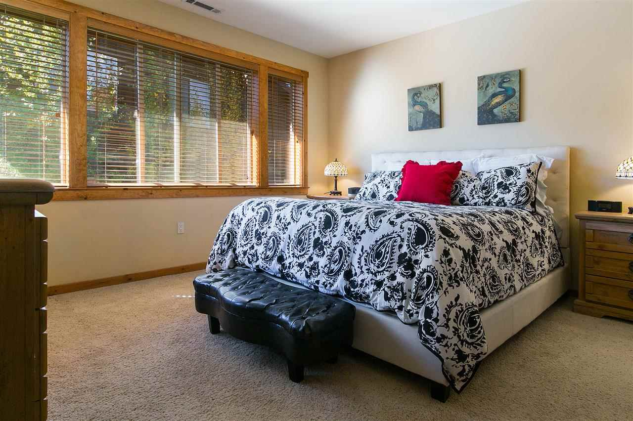 Additional photo for property listing at 10844 Cinnabar Way 10844 Cinnabar Way Truckee, California 96161 United States
