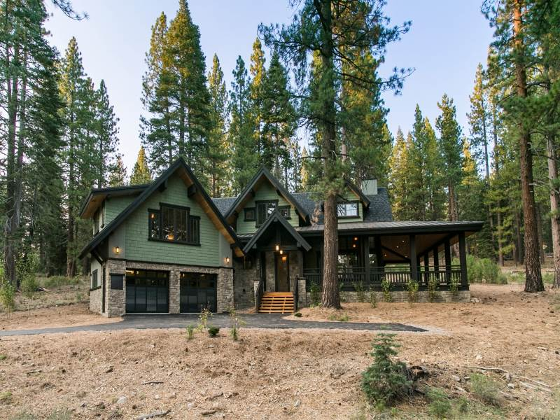 Additional photo for property listing at 11764 Kelley Drive  Truckee, California 96161 Estados Unidos