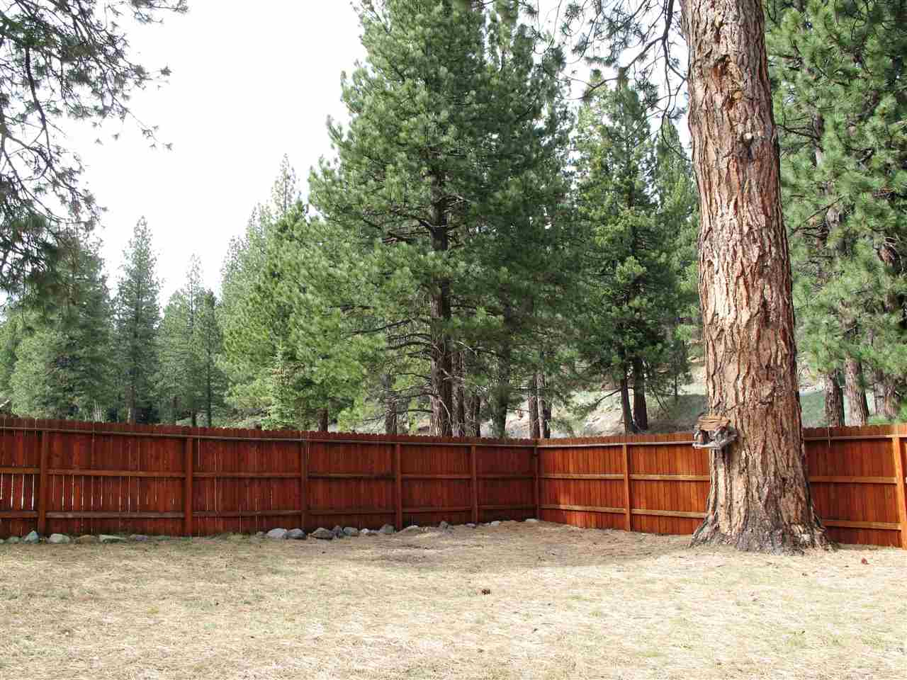 Additional photo for property listing at 10815 Palisades Drive 10815 Palisades Drive Truckee, California 96161 United States