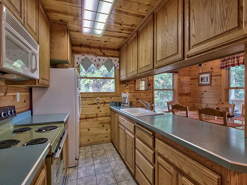 Additional photo for property listing at 8060 Buckbrush Drive  Portola, California 96122 Estados Unidos