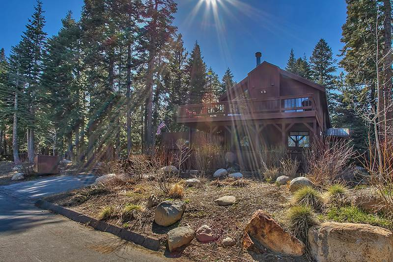 Additional photo for property listing at 375 Montclair Drive Tahoe City, California 96145 United States